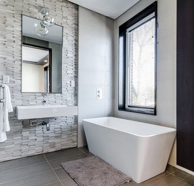 The bathroom decor idea that everyone should try.