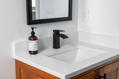 When to buy a bathroom shelf and what to expect from your home